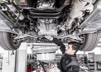 Assistenza-manutenzione-a-vetture