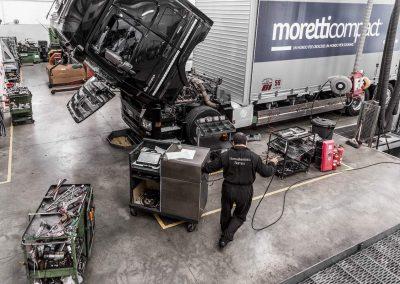 Officina-autorizzata-mercedes-F.lli-Lattanzi-Civitanova-Marche-reparto-truck-3