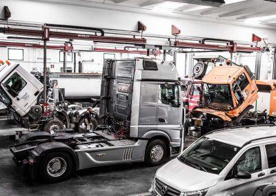 Officina-autorizzata-mercedes-F.lli-Lattanzi-Civitanova-Marche-reparto-van-truck