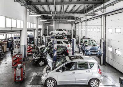 Officina-autorizzata-mercedes-F.lli-Lattanzi-Civitanova-Marche-reparto-vetture-panoramica